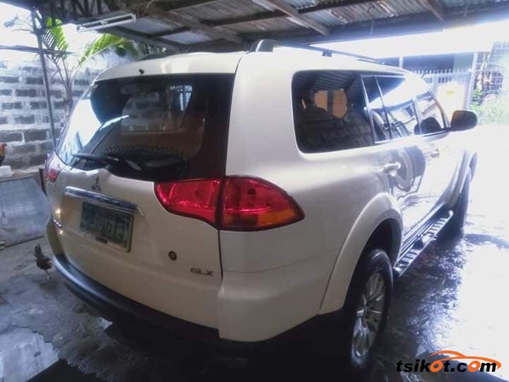 Mitsubishi Montero 2013 - 10