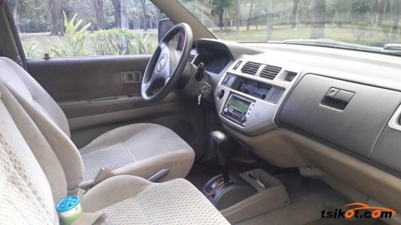 Toyota Previa 2004 - 3
