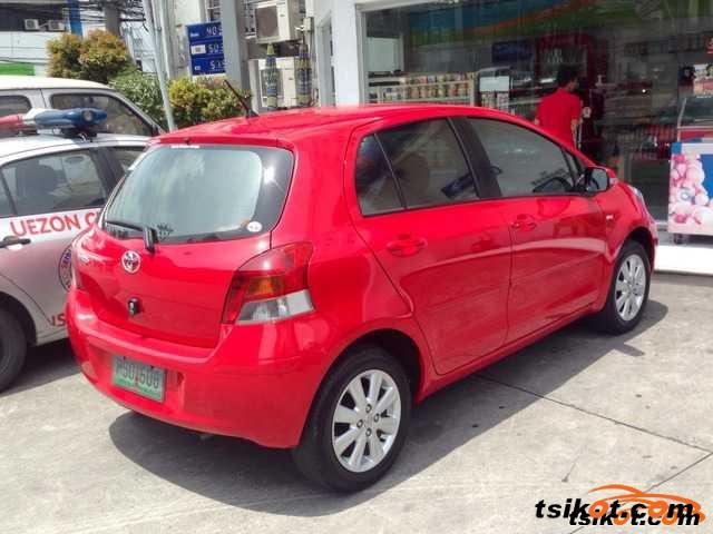 Toyota Yaris 2010 - 4