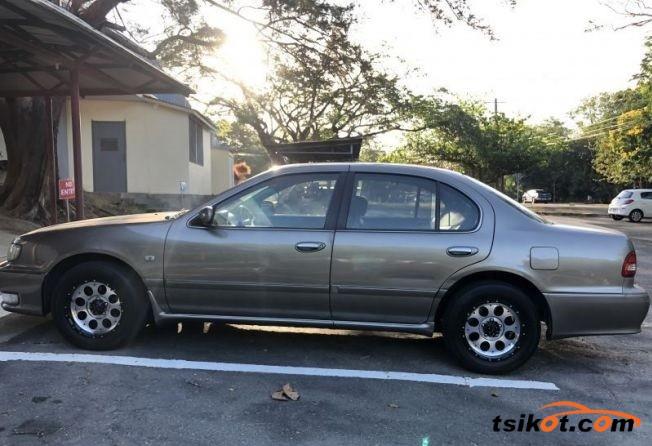 Nissan Cefiro 2000 - 3