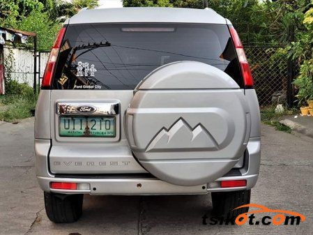 Ford Everest 2012 - 4