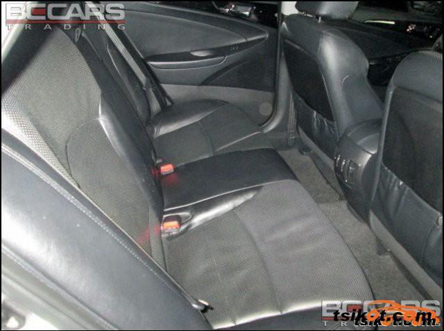 Hyundai Sonata 2011 - 4