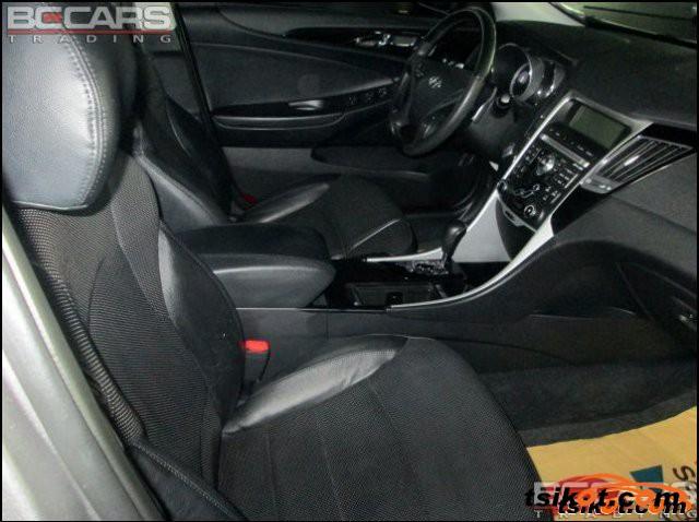 Hyundai Sonata 2011 - 5