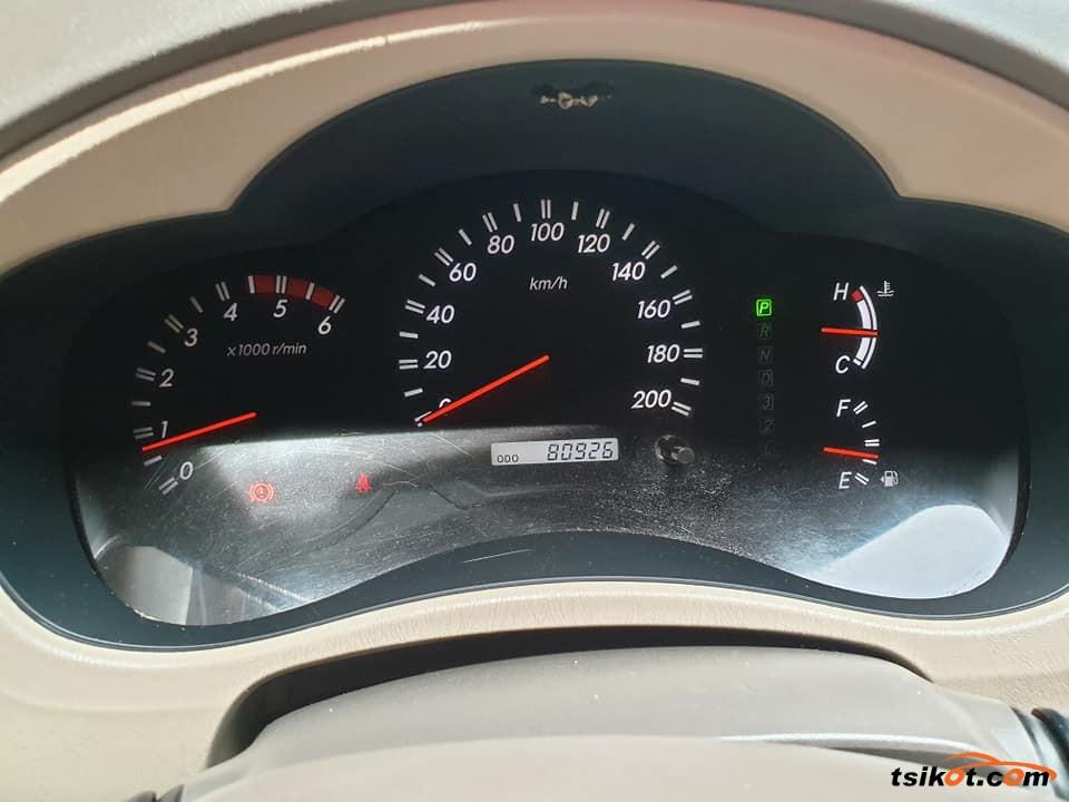 Toyota Innova 2008 - 4