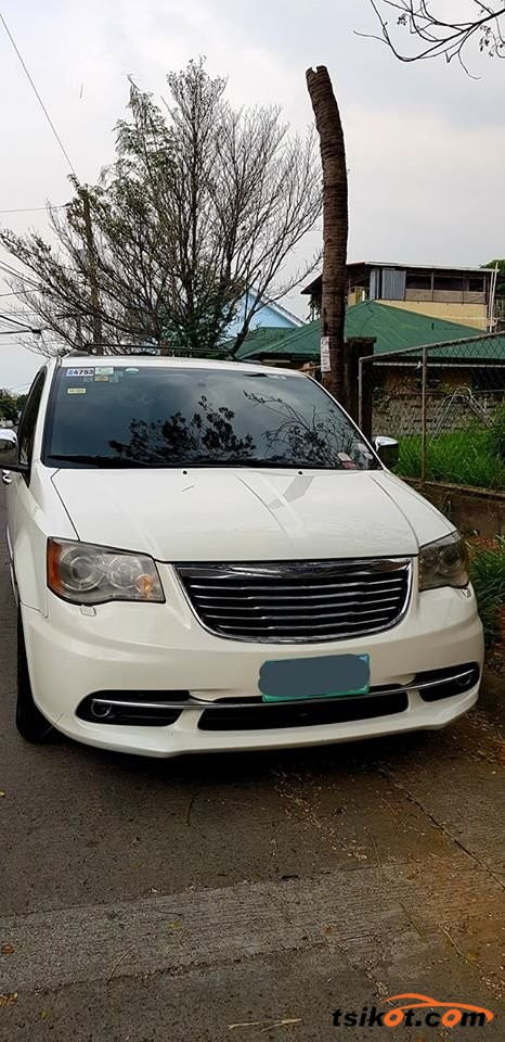 Chrysler Town & Country 2012 - 3