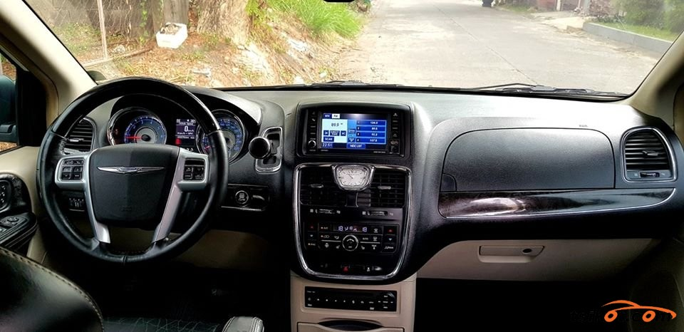 Chrysler Town & Country 2012 - 4