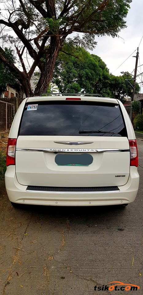 Chrysler Town & Country 2012 - 7