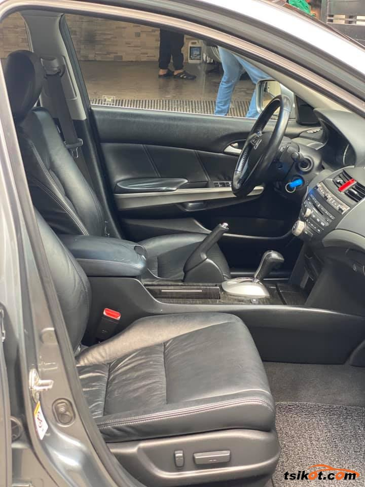 Honda Accord 2010 - 8