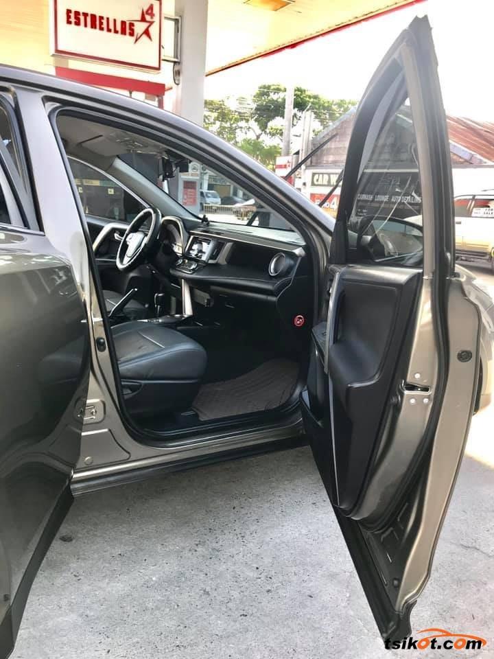 Toyota Rav4 2013 - 5