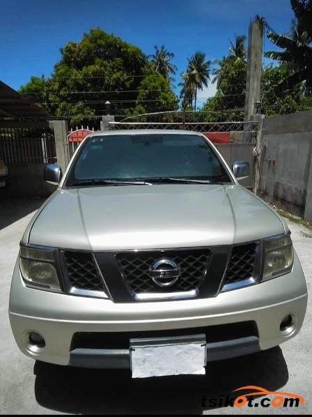Nissan Navara 2010 - 2