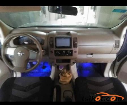 Nissan Navara 2010 - 3