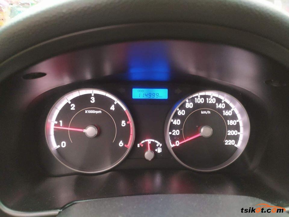 Hyundai Accent 2010 - 2