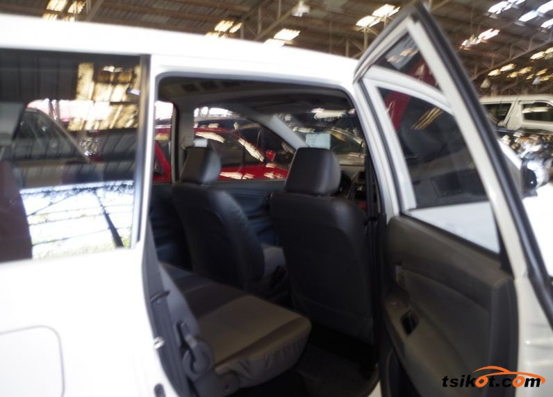 Toyota Avanza 2012 - 4