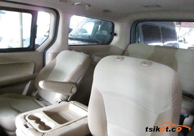 Hyundai Starex 2013 - 4