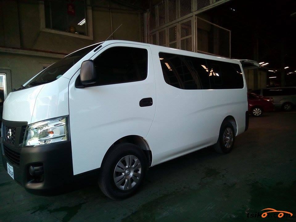 Nissan Urvan 2017 - 4