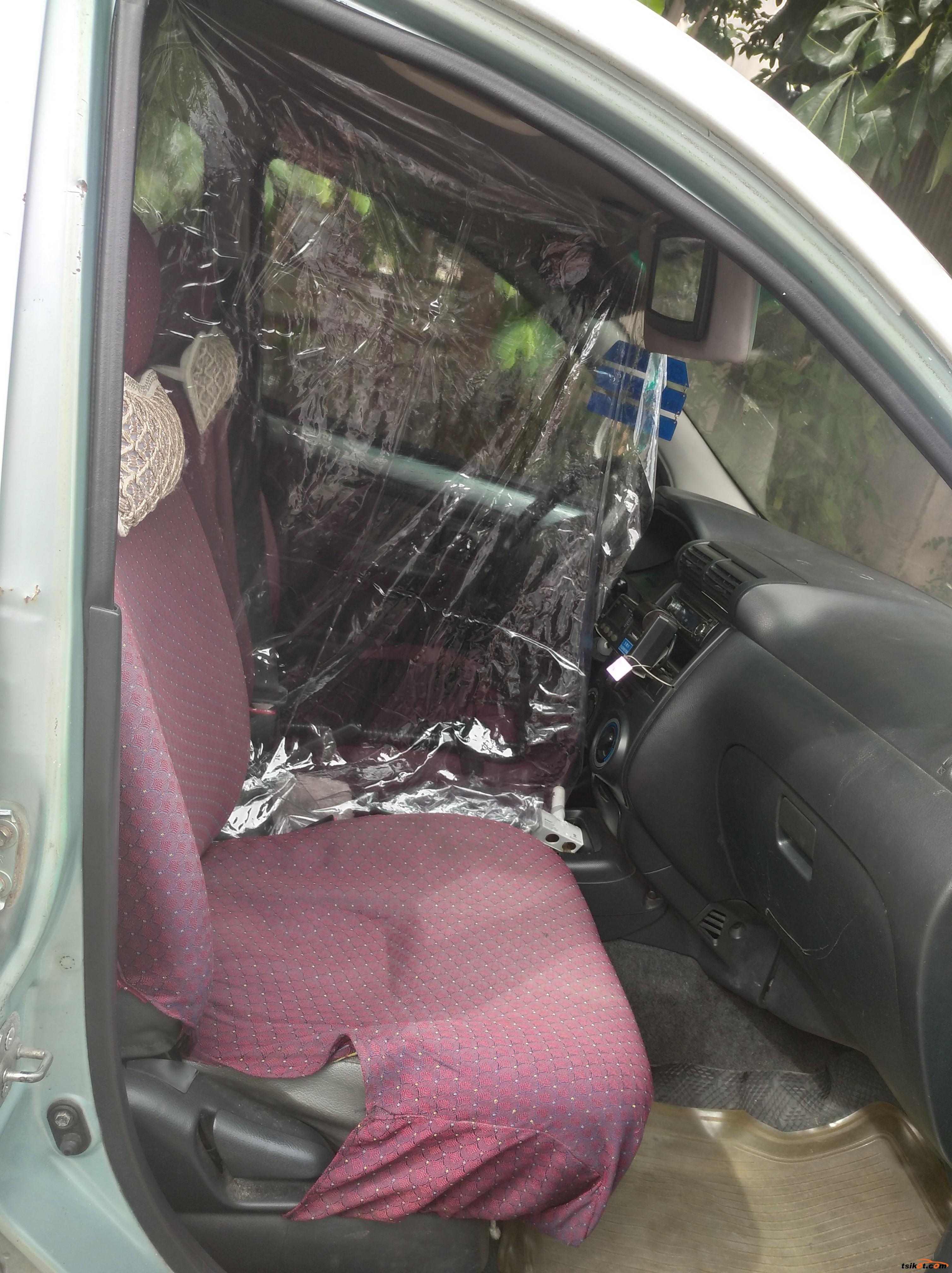 Toyota Avanza 2011 - 4