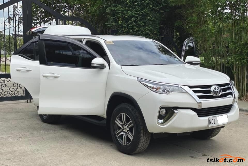 Toyota Fortuner 2018 - 2