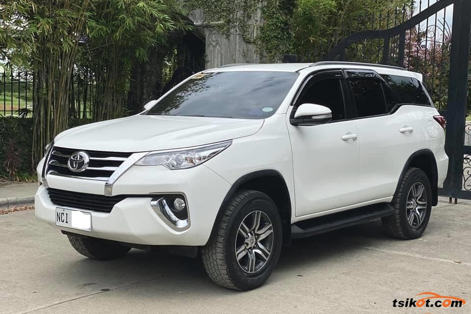 Toyota Fortuner 2018 - 8