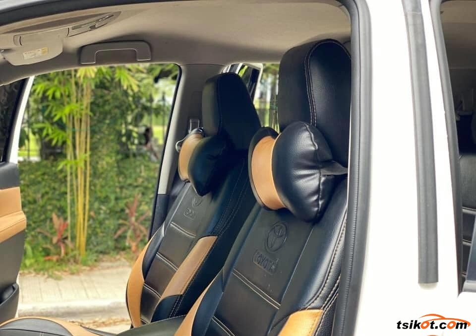 Toyota Fortuner 2018 - 3
