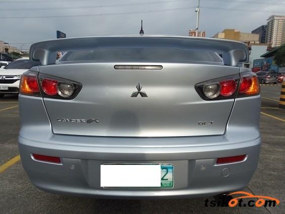Mitsubishi Lancer 2010 - 3