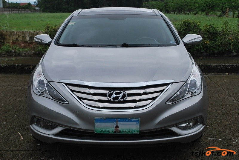 Hyundai Sonata 2012 - 1