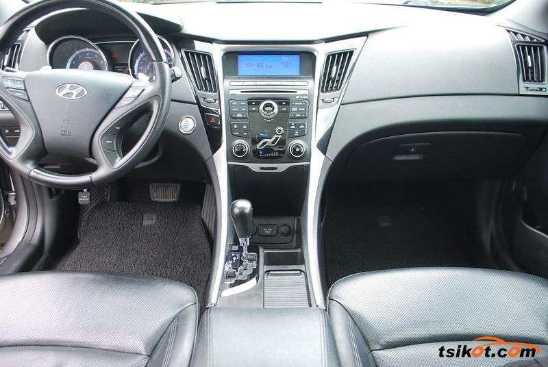 Hyundai Sonata 2012 - 3
