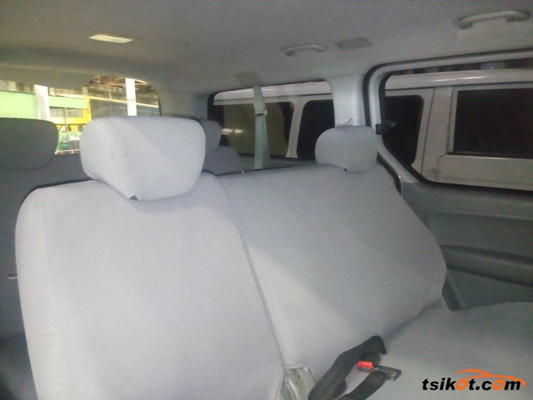 Hyundai Starex 2015 - 2
