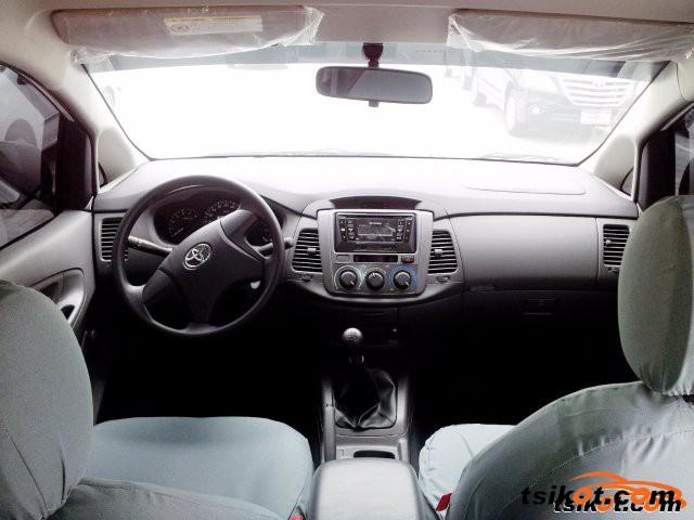 Toyota Innova 2016 - 4