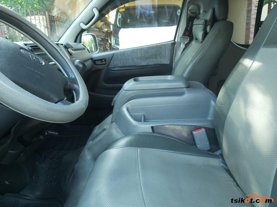 Toyota Hi-Ace 2006 - 6