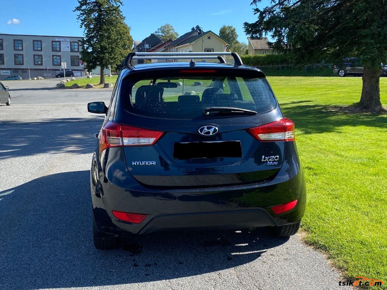 Hyundai Ix20 2011 - 2