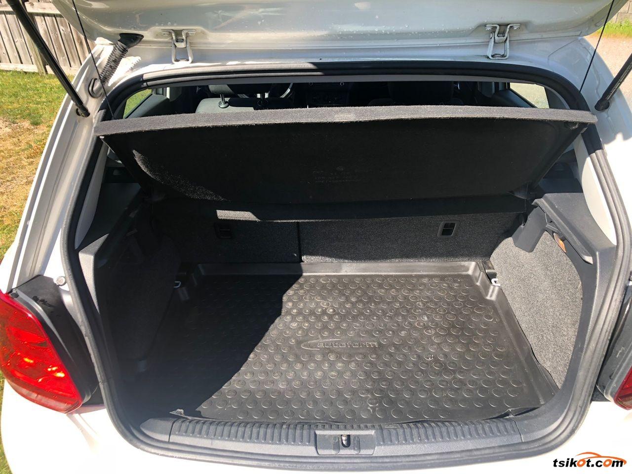 Volkswagen Polo 2011 - 5