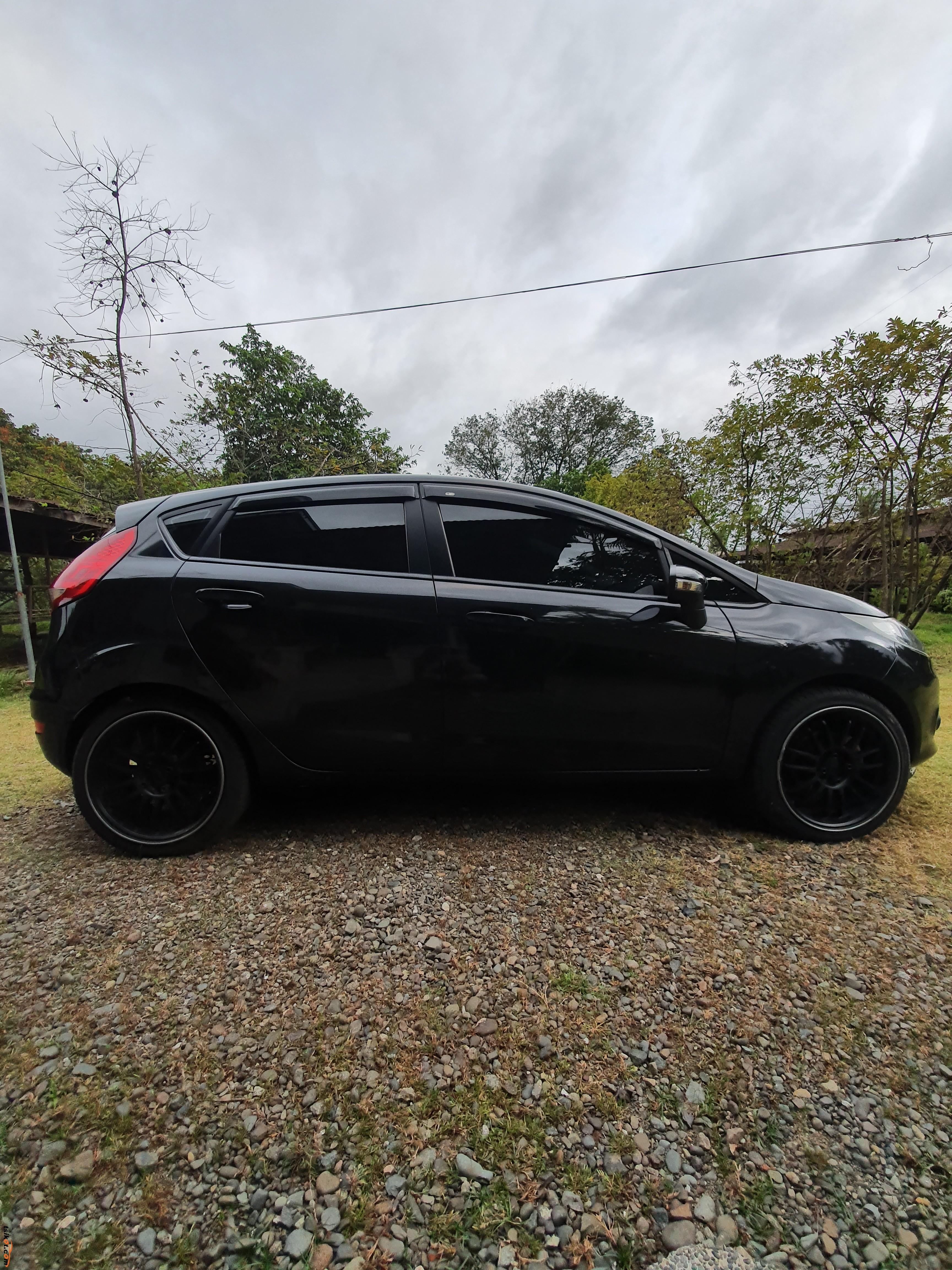 Ford Fiesta 2013 - 7