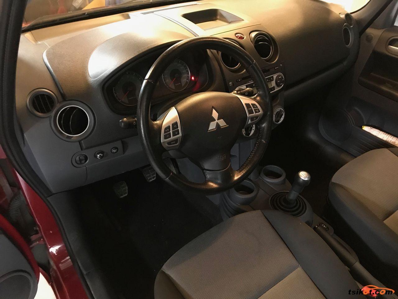 Mitsubishi Colt 2012 - 4