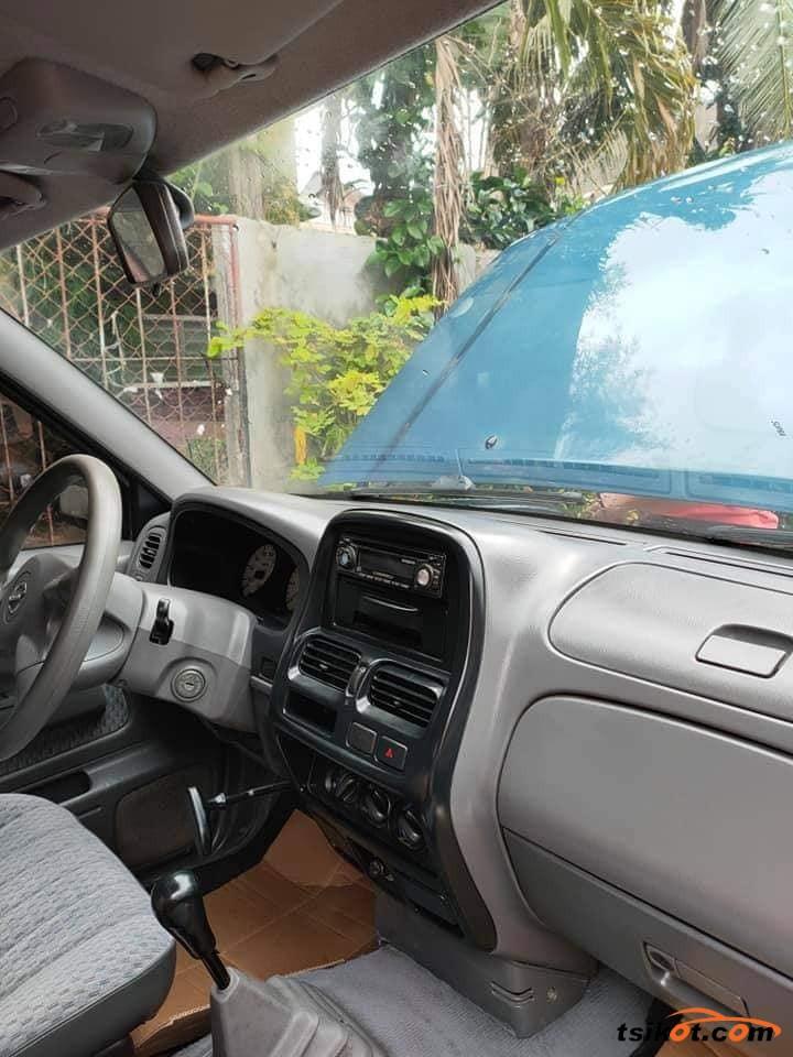 Nissan Frontier 2004 - 3