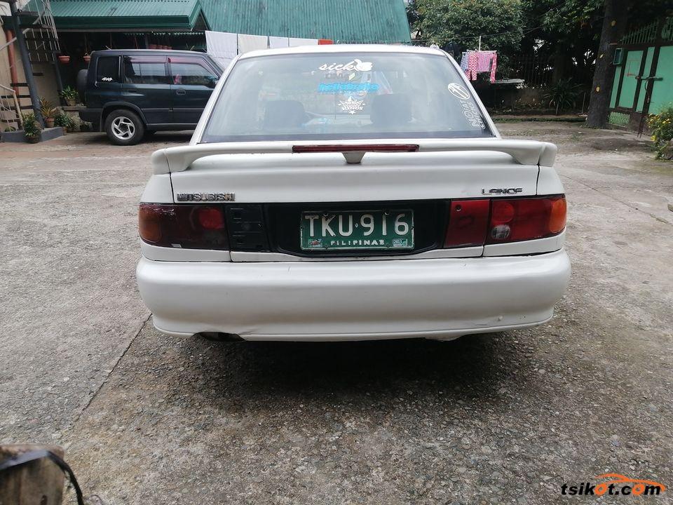 Mitsubishi Lancer 1993 - 10