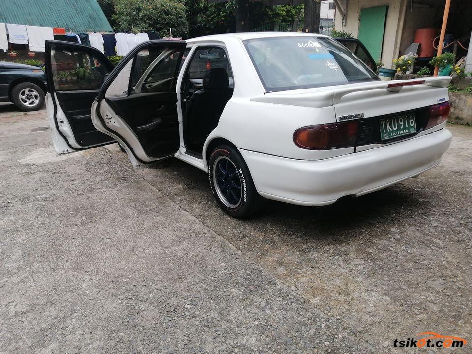 Mitsubishi Lancer 1993 - 7