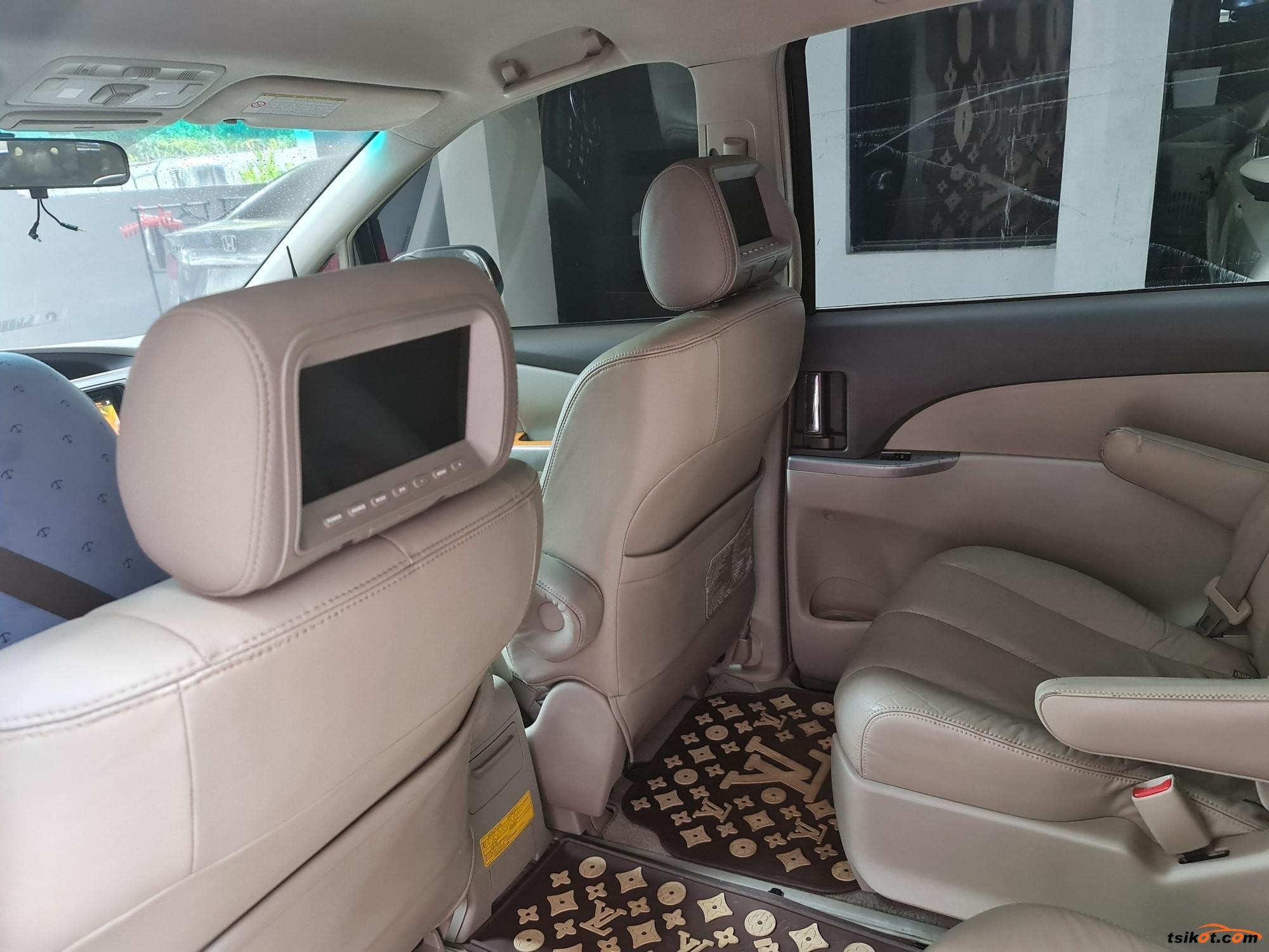 Toyota Previa 2011 - 3