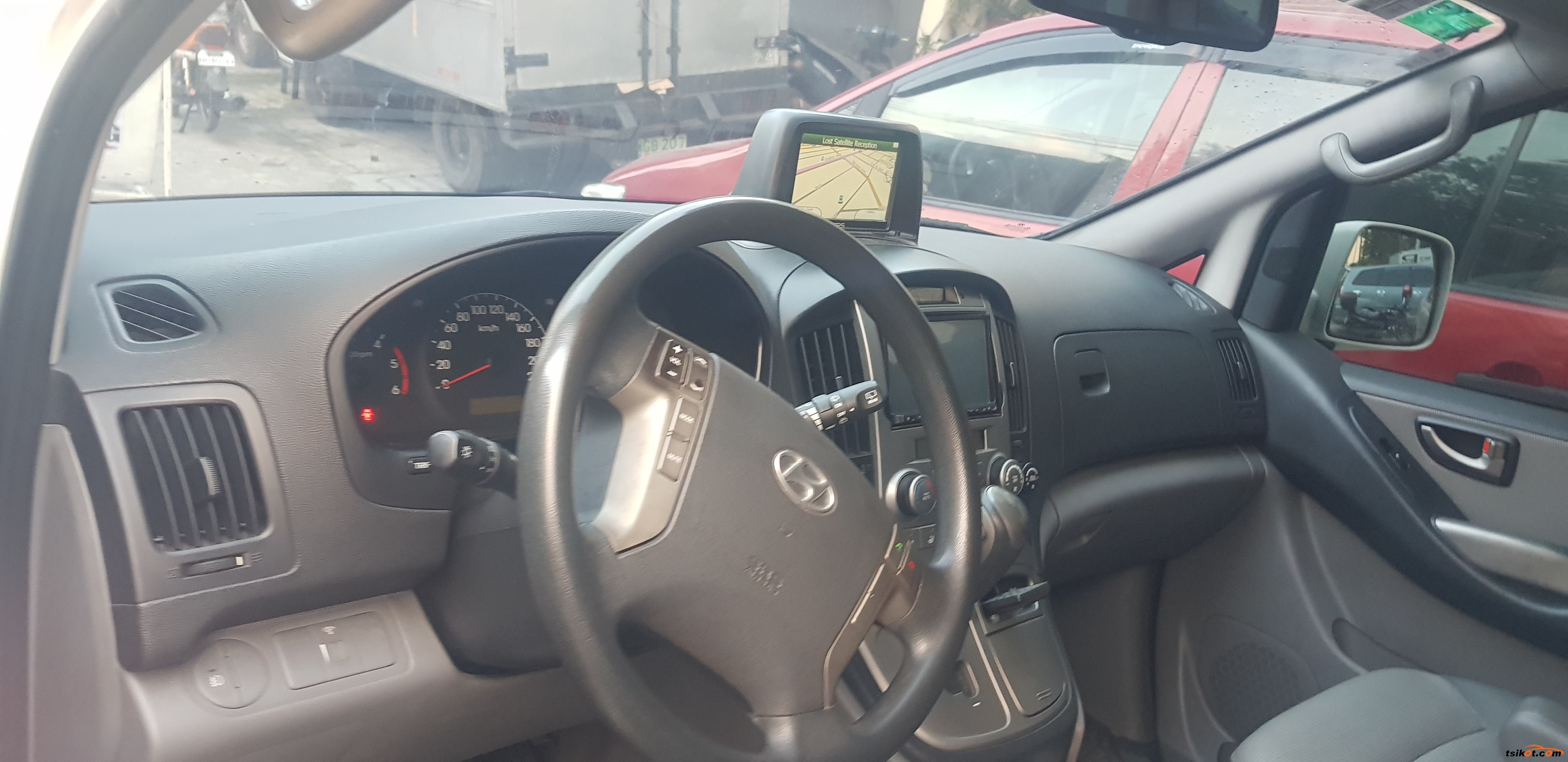 Hyundai Starex 2012 - 3