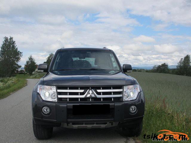 Mitsubishi Pajero 2011 - 1