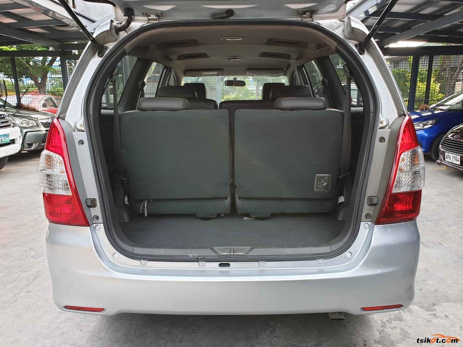Toyota Innova 2014 - 7