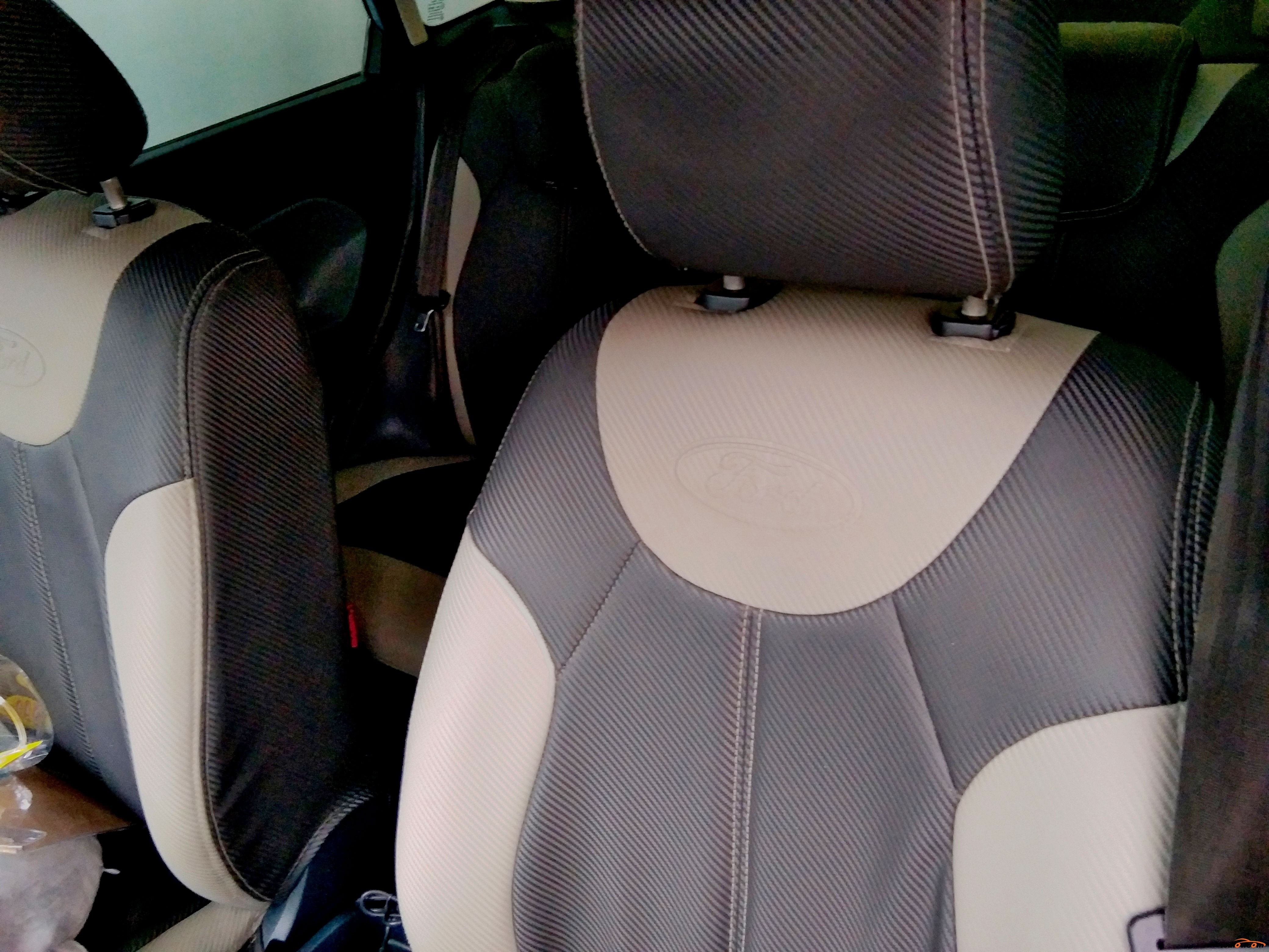 Ford Fiesta 2012 - 4