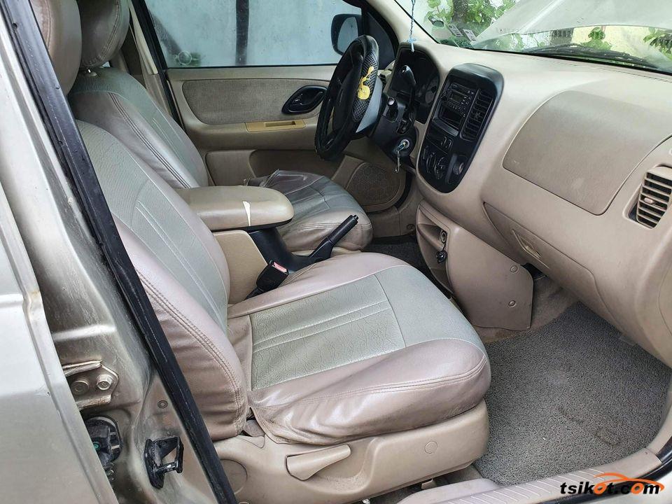Ford Escape 2005 - 4