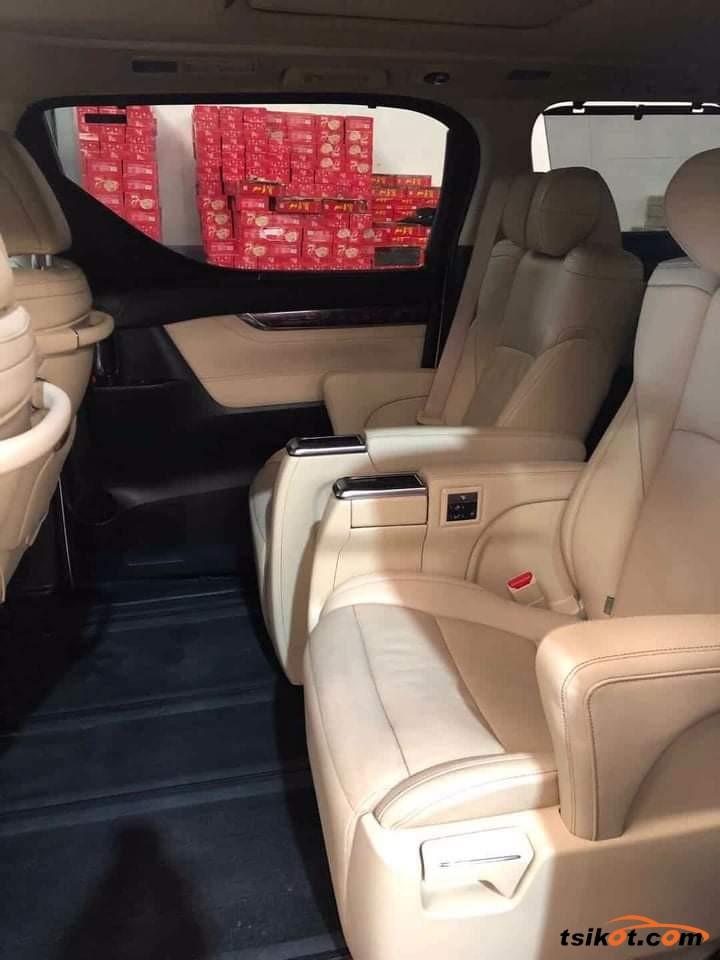 Toyota Alphard 2018 - 2