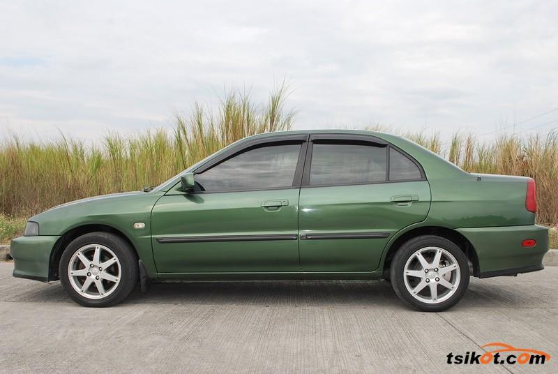 Mitsubishi Lancer 2002 - 3