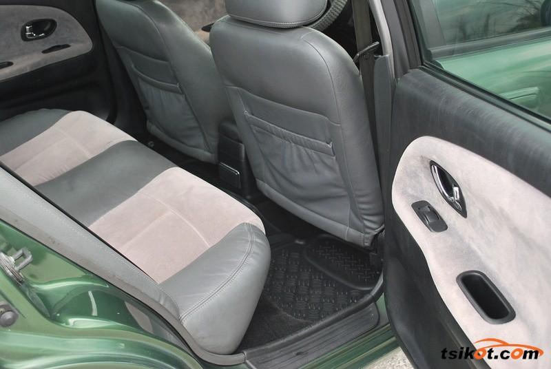Mitsubishi Lancer 2002 - 8