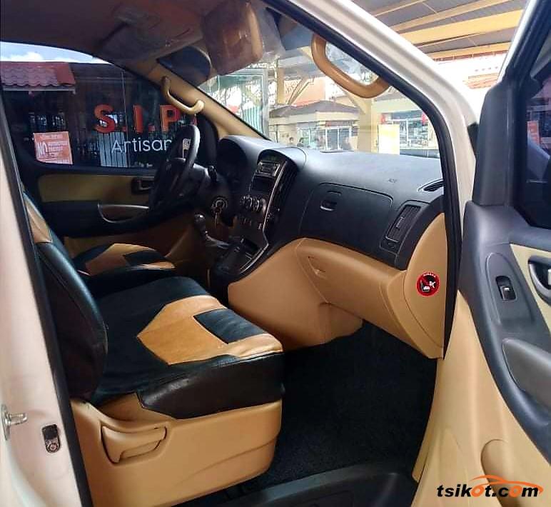 Hyundai Starex 2013 - 7