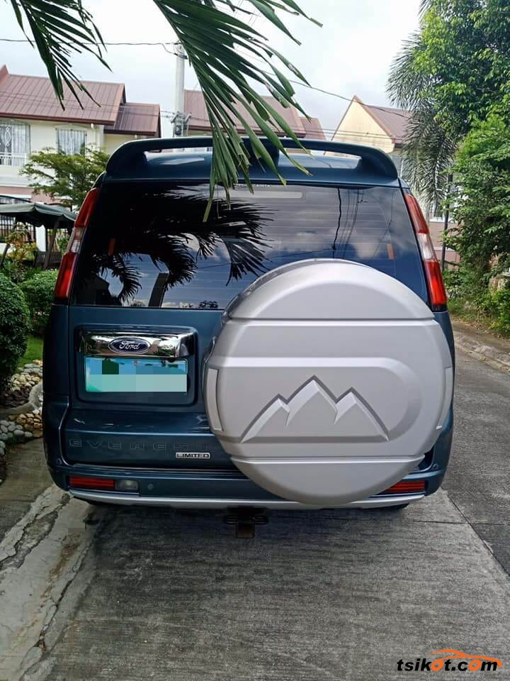 Ford Everest 2013 - 2