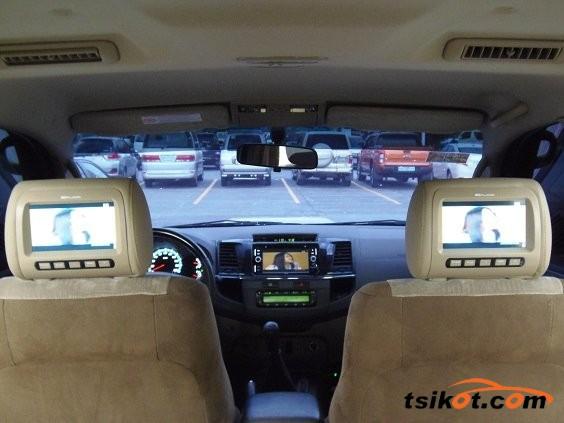 Toyota Fortuner 2013 - 9