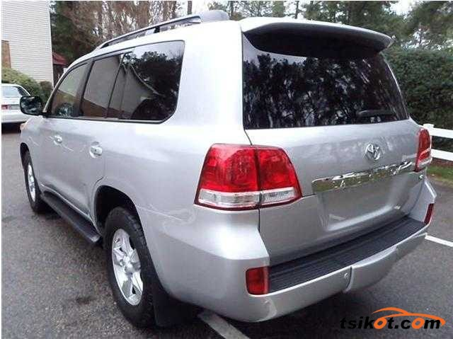 Toyota Land Cruiser 2011 - 3