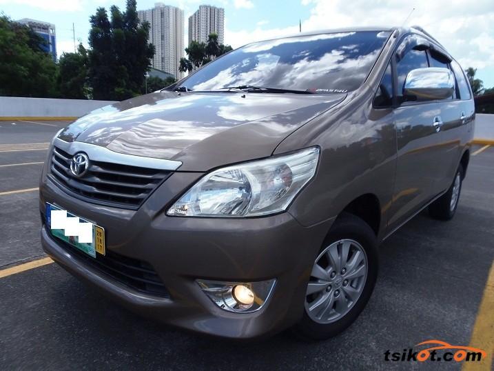 Toyota Innova 2013 - 1